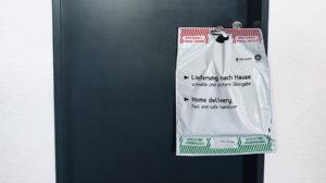 Angehängt DEBAPOST Versandtasche Kontaktvermeidung
